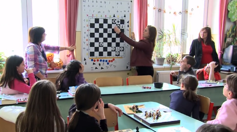 chess palace - Polgar10a